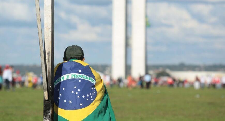 Curso grátis de Noções de Política e Cidadania no Brasil